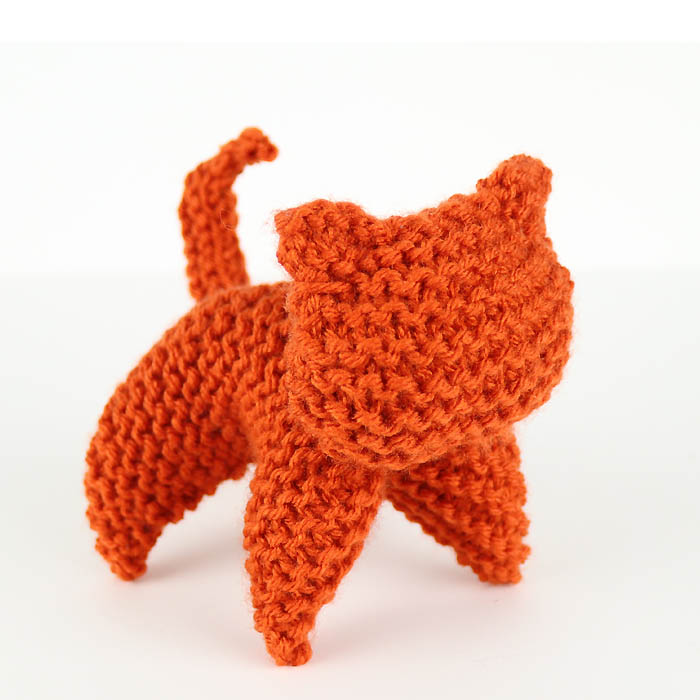 EASY Plush Cat Free Knitting Pattern by Gina Michele