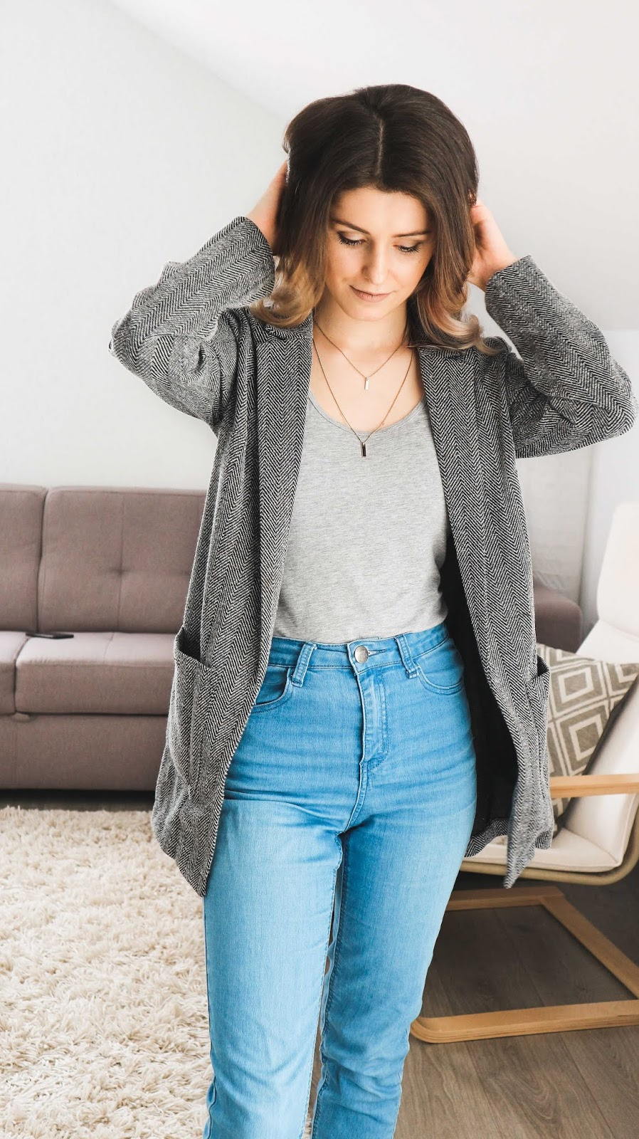 grey day outfit inspiration style