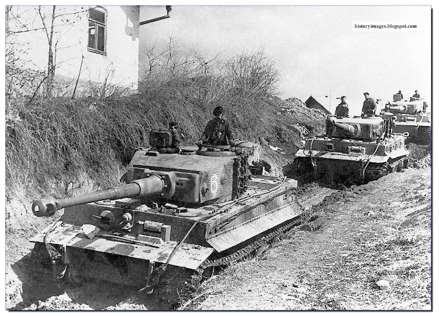 German tank Pz.Kpfw. VI (Tiger)  506 th Heavy Tank Battalion