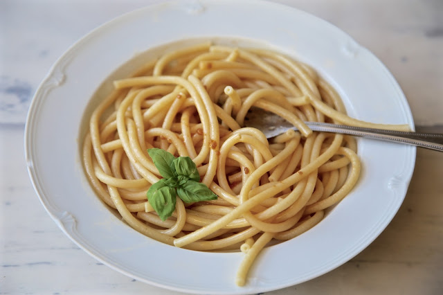 pasta with 'white' tomato sauce