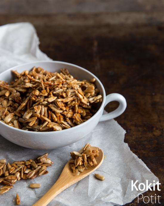 Honey Roasted Sunflowe Seeds – Hunajapaahdetut auringonkukansiemenet #seeds #roasted #sunflowerseeds #honey #snack