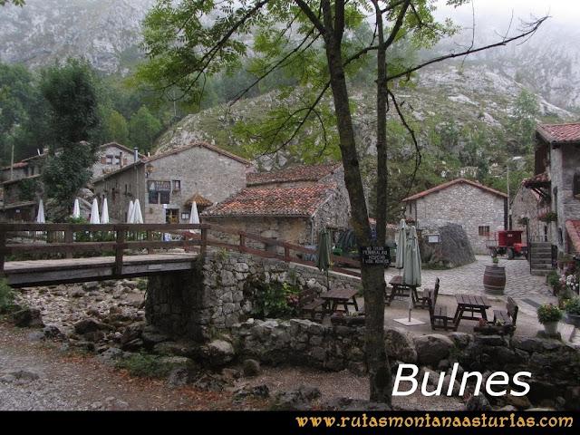 Ruta Poncebos a Cabrones por Camburero y Urriellu: Bulnes