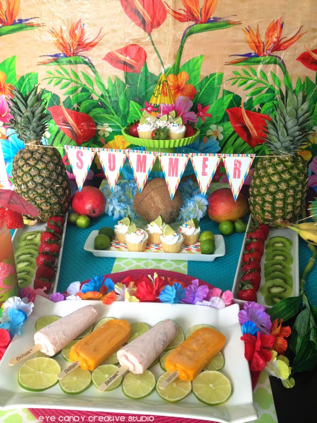 tips on planning a luau, free summer banner, mini cupcakes, luau food