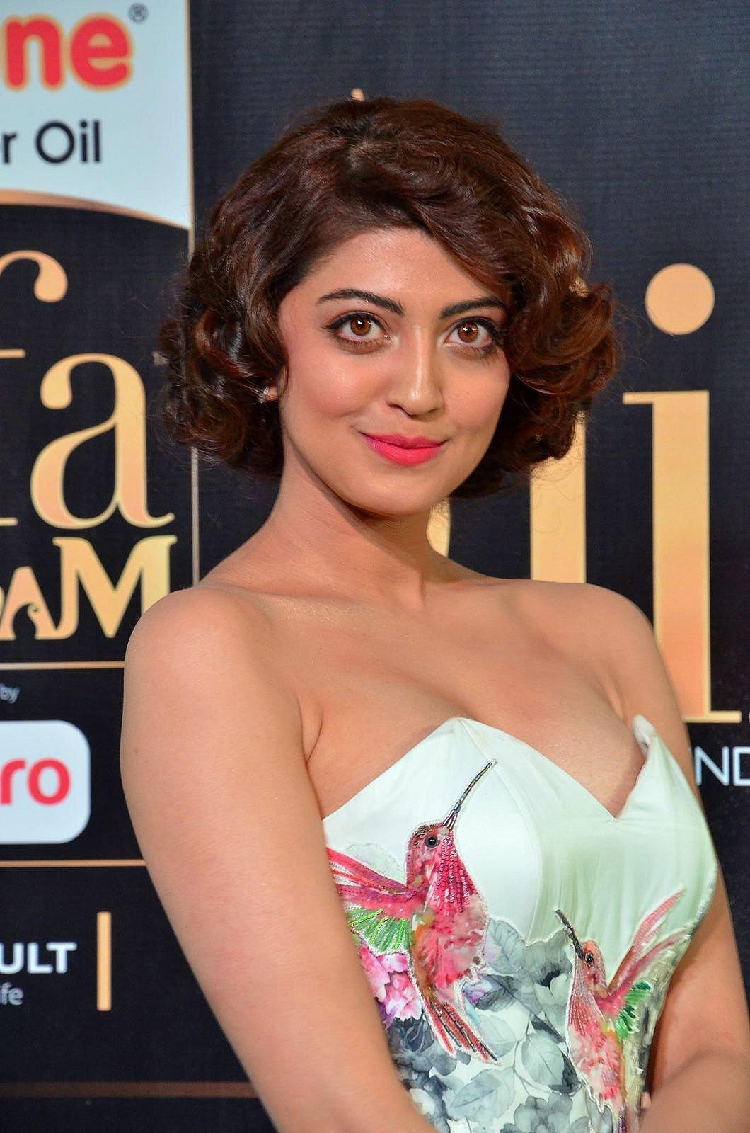 Pranitha Subhash At The IIFA Utsavam Awards 2017
