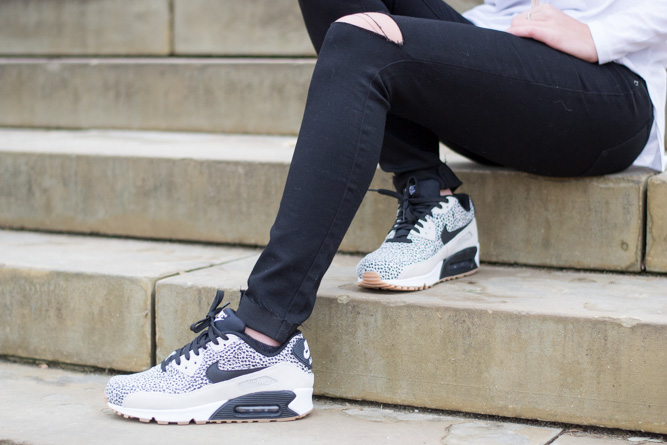 My Nike Air Max Review by fashion blogger Kelsey of Chasing Cinderella