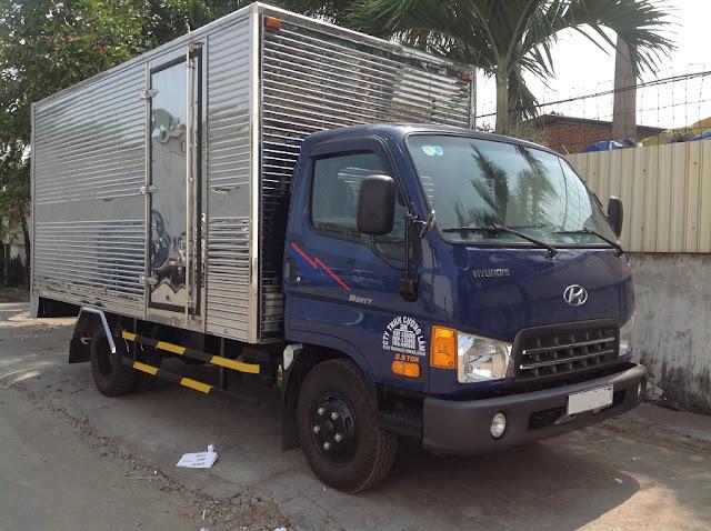 Xe tải Hyundai 2.5 tấn thùng kín inox