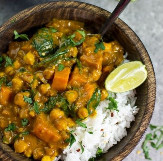 Sweet Potato, Chickpea and Spinach Coconut Curry #Vegan #HealthyRecipe