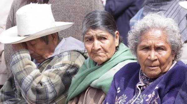 Mientras Fox necesita 200 mil para vivir, los ancianos mexicanos reciben 580 pesos de Sedesol