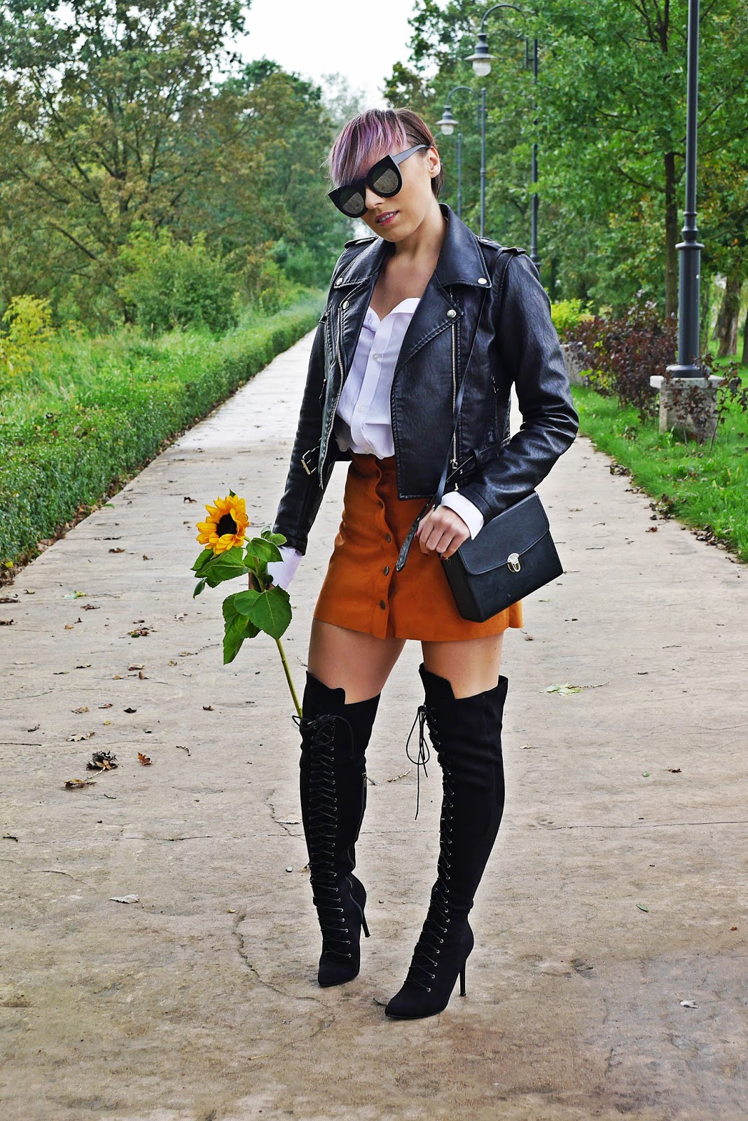 1_black_biker_jacket_zaful_white_shirt_purple_hair_karyn_blog_modowy_sunflower_260917a
