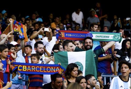 """اولادبرحيل24...جماهير برشلونة تشن هجوما قاسيا على نيمار وتصفه بـ""""الخائن"""" خلال مباراة ودية"""