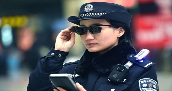 Chinese police use smart glasses to identify passengers