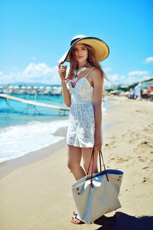 Stylish Beachwear with Hat, White Dress, Oversized Necklace and Beach Bag