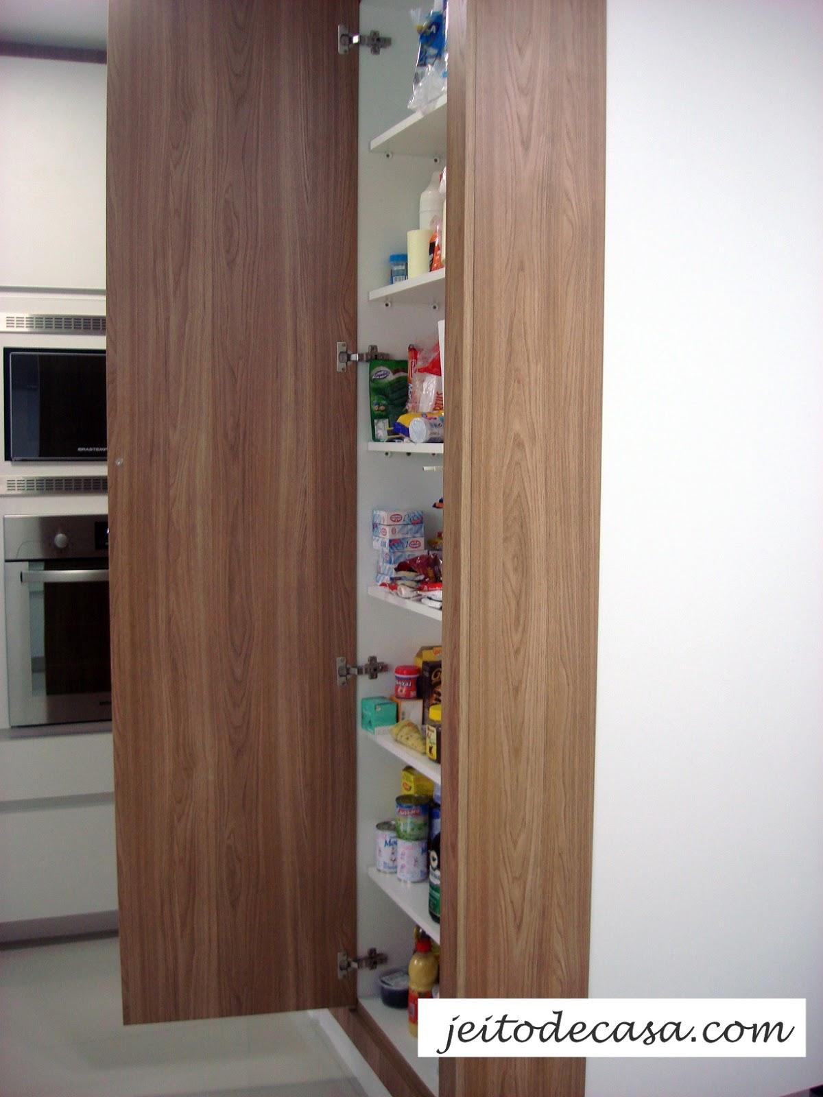 Armario Estreito Branco : Cozinha branca de apartamento minha jeito
