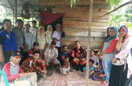 Gerindra Padang Pariaman Bedah Rumah Pria Penderita Stroke