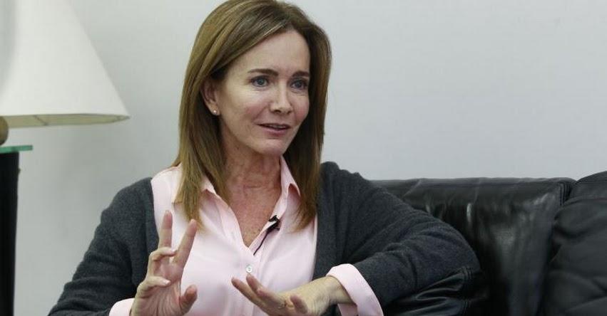 Esta es una lucha por la educación y el futuro del país (Marilú Martens Cortés) www.minedu.gob.pe