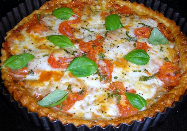 P2271025 Tarta francuska z pomidorami i mozzarellą