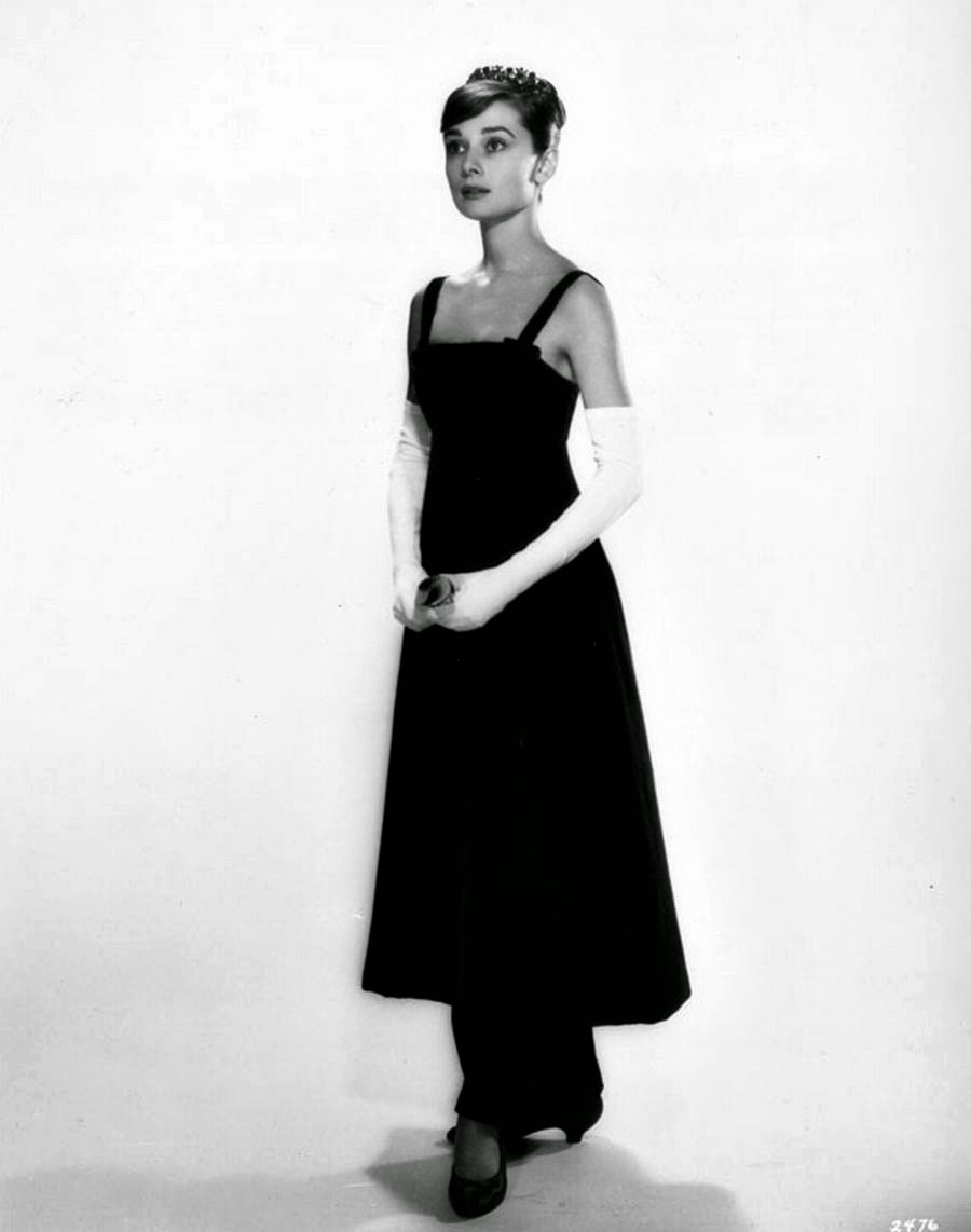 Beautiful Fashions Of Audrey Hepburn In The 1950s Vintage Everyday