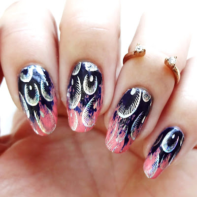 Feathered Flair Nails