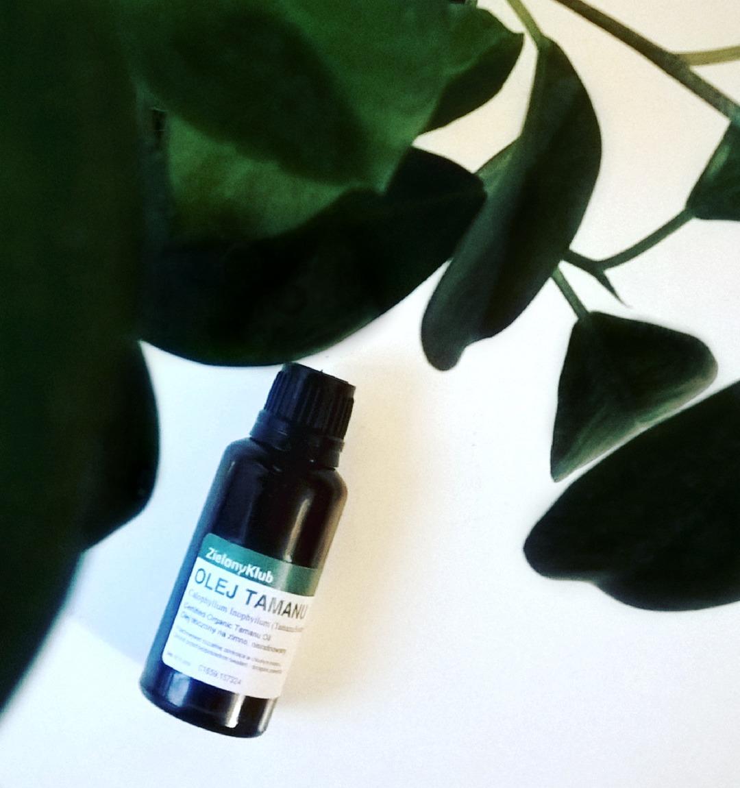Właściwości oleju tamanu do twarzy i włosów, leczące