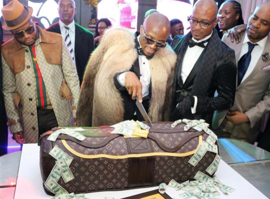 "See The Ever Blazing South African Millionaire, ""Cashflow"" Birthday Cake (Photos)"
