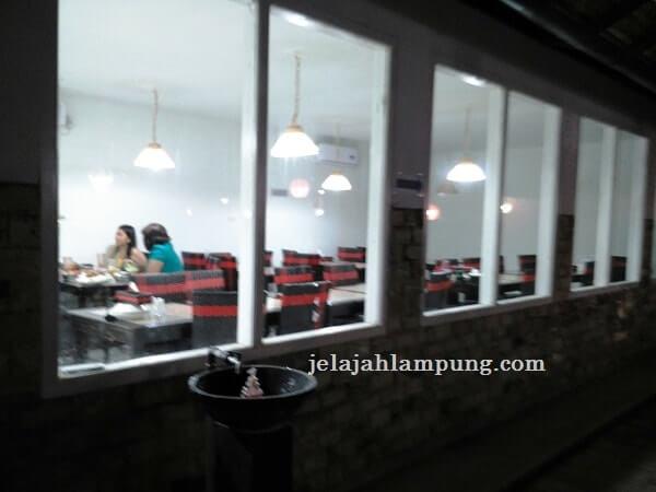 tempat makan pindang riu lebih modern