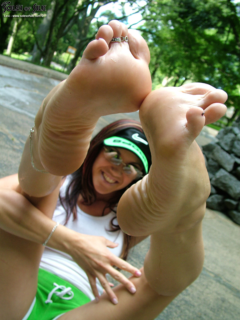 Lexis Foot Fetish