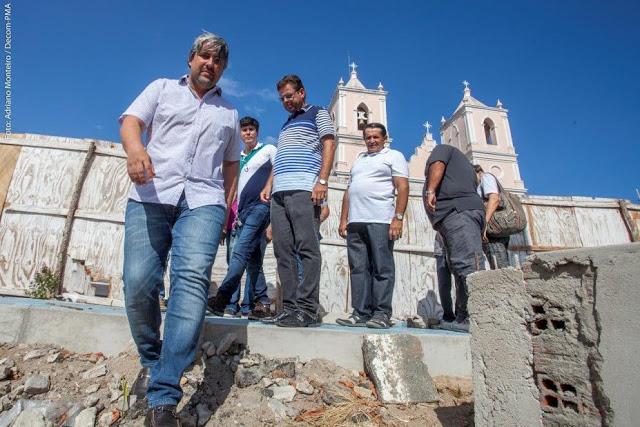 REGIÃO: Prefeito de Agrestina visita obras em andamento na cidade.