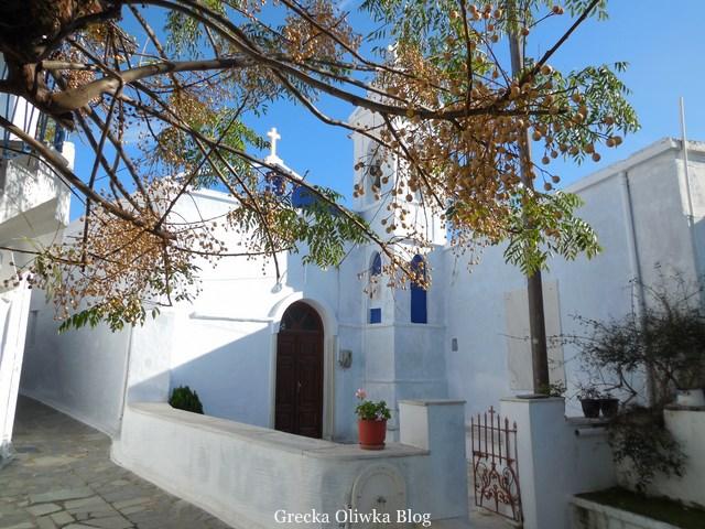 Grecki kościółek na wyspie Tinos, wioska Arnados