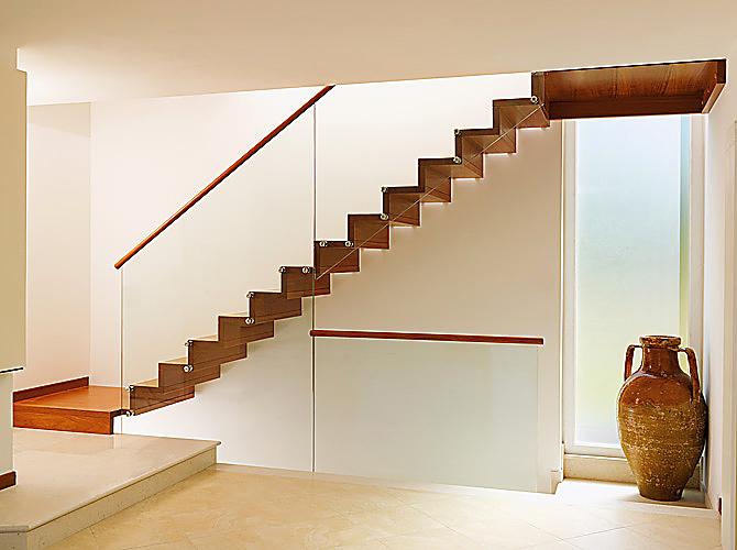 Muebles Y Carpinteria Capita Escalera De Madera - Escaleras-de-cristal-y-madera