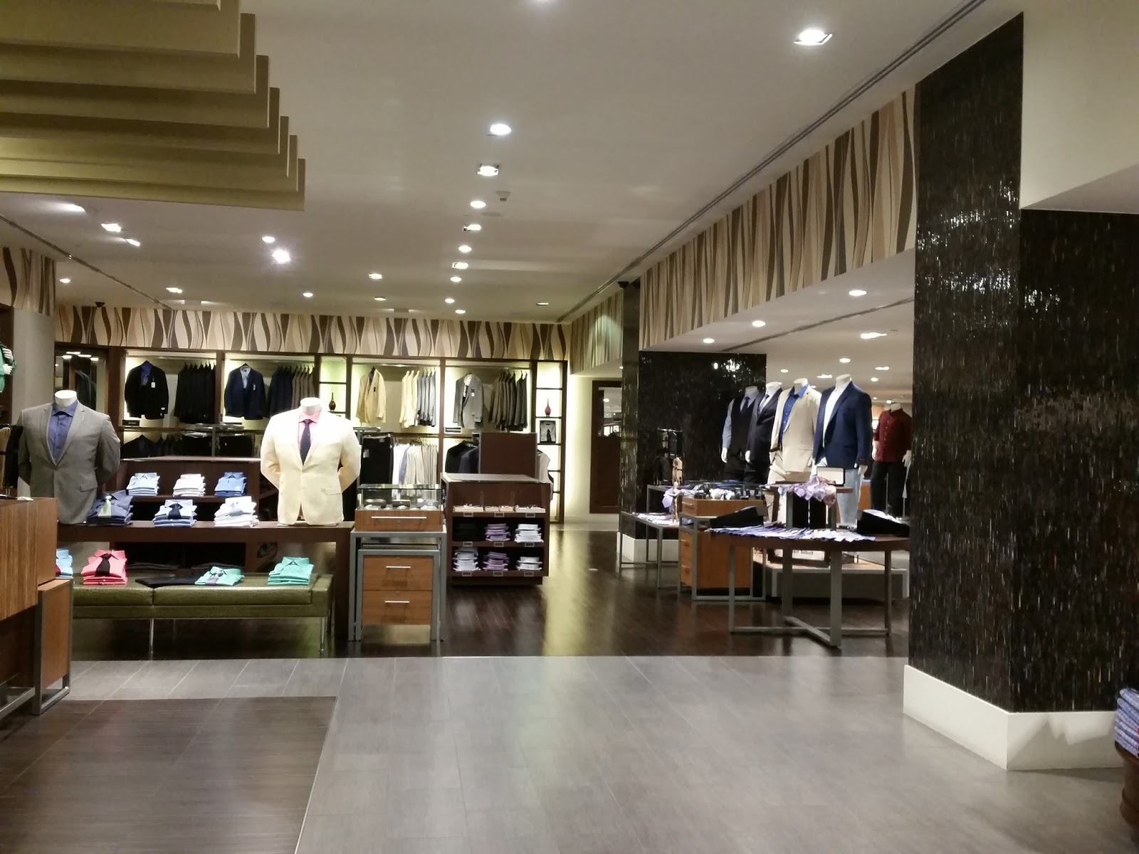 b06b52eeea8 It s a clean organized shop with everything a man could want including an  area with larger size shoes. I think it s time for Al Shaya to bring Lane  Bryant ...