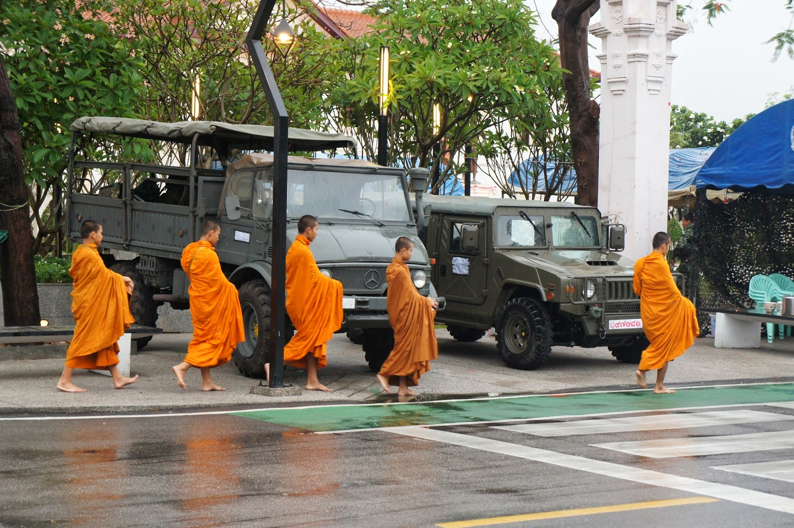 Chiang Mai - Monks and martial law