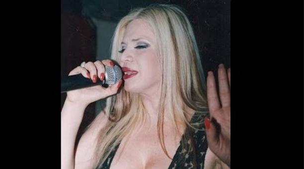 Κινδύνευσε να καεί ζωντανή πασίγνωστη λαϊκή τραγουδίστρια! Έχασε το μωρό της η κόρη της!