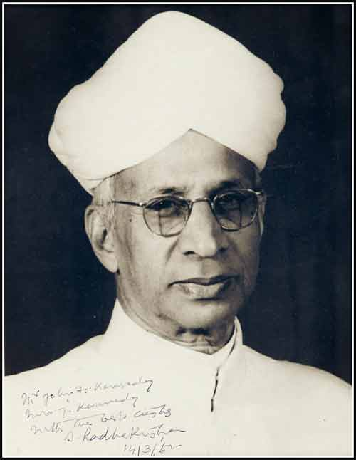 A Collection Of 100 Thoughts Of Dr Sarvepalli Radhakrishnan