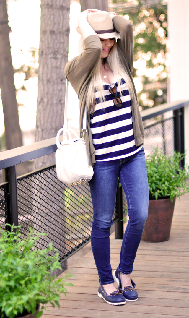 summer casual outfit, stripes, boat shoes