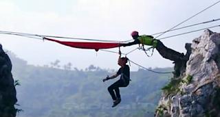 main hammock di tebing gunung hawu
