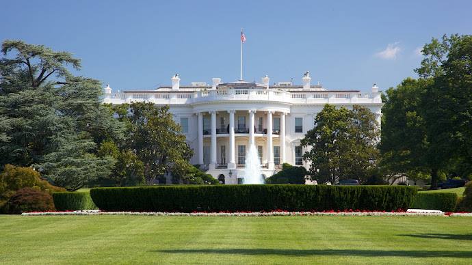 Wallpaper: View with White House
