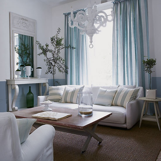 The Peak of Très Chic: Blue, White, & A Touch of Lucite
