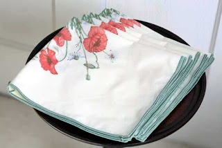Vintage Poppy Dinner Napkins