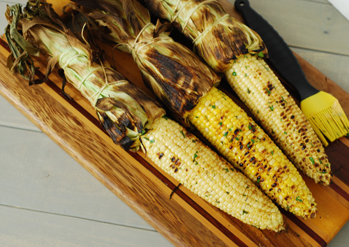 grilled corn, kamado grilled corn, big green egg grilled corn