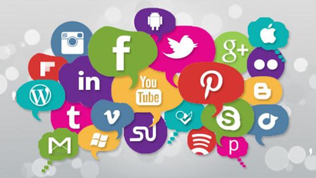Hukum Update Status Ibadah di Social Media Yang Harus Kamu Tahu