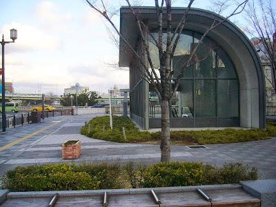 京阪電車・なにわ橋駅 安藤忠雄氏のデザイン