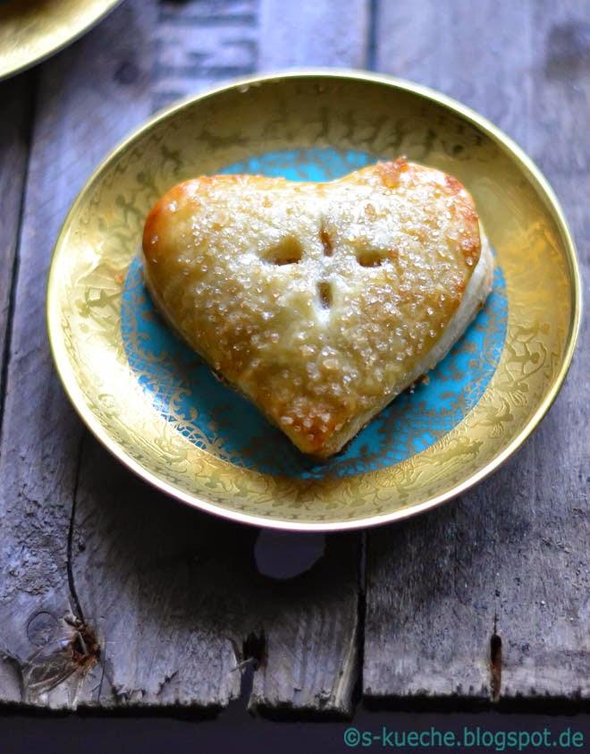 Hand Pies mit Bratapfelfüllung