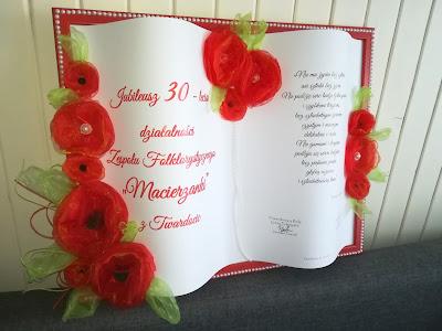 księga i ramka na 30 lecie zepołu folklorystycznego