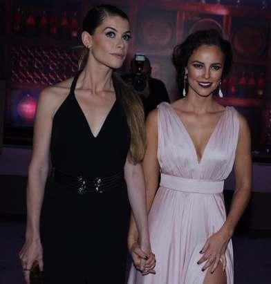 Paola Oliveira, vestido com fenda festa Além do tempo