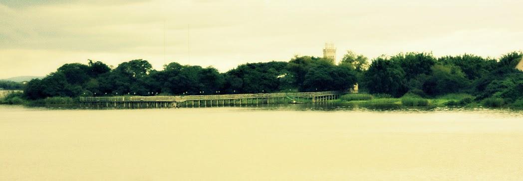 Castelinho na Ilha da Casa da Pólvora, no Lago Guaíba