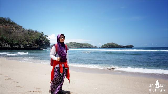 Pengunjung Pantai Peh Pulo