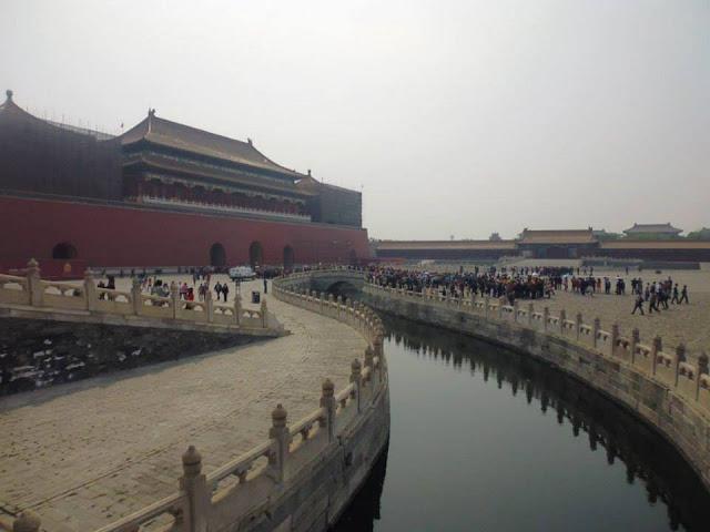 Puerta del Mediodía y el río dorado (Ciudad Prohibida) (Beijing) (@mibaulviajero)