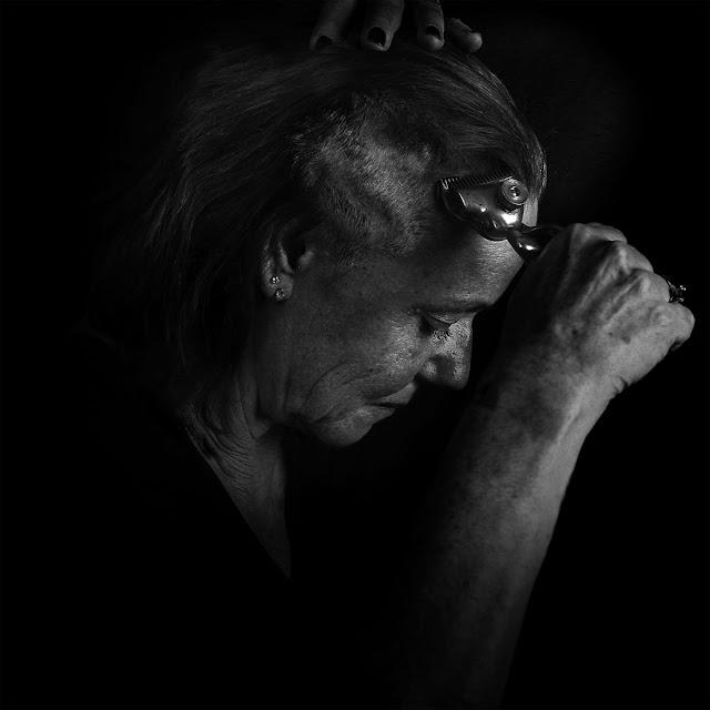 throane plus une main à mordre black metal français