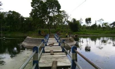wisata-sumber-comlpang-pranggang-sentral-ikan-hias-koi