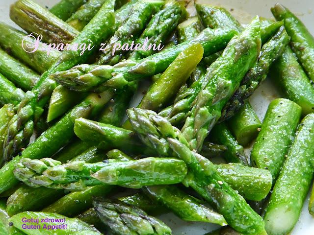 Zielone szparagi z patelni - expresowe - Czytaj więcej »